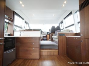 BB1 PRINCESS 49 FLYBRIDGE GALLEY