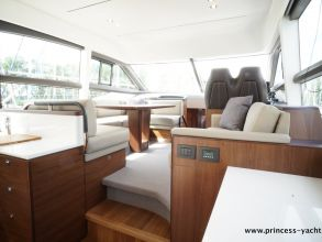 BB6 PRINCESS 49 FLYBRIDGE SALOON