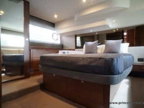 CC1 PRINCESS 49 FLYBRIDGE OWNERSCABIN