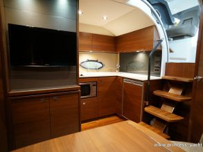 CC2 PRINCESS V39 2015 GALLEY