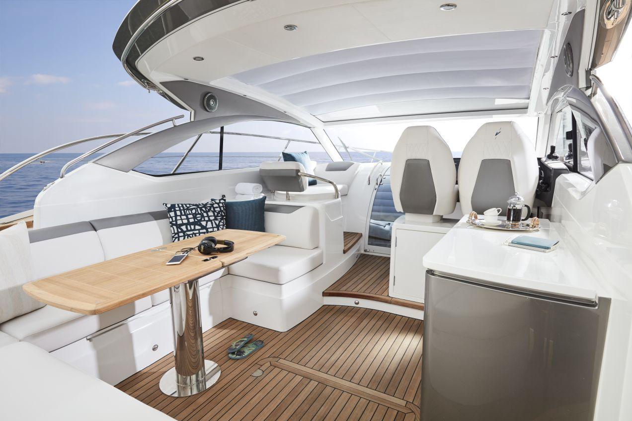 v40-exterior-main-deck-2