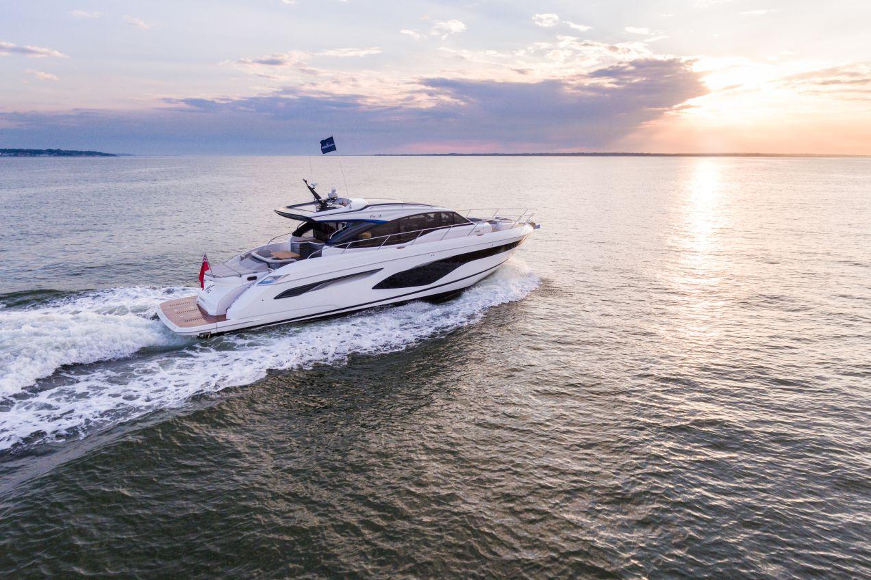 v60-exterior-white-hull-6