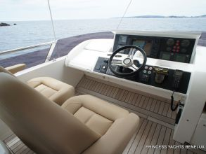 CC1 PRINCESS 72MY 2011 FLYBRIDGE