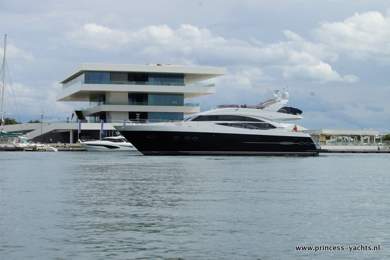 Home Princess Yachts Benelux Bv