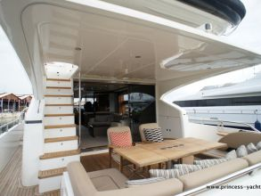 BB3 PRINCESS 72MY 2012 AFTDECK